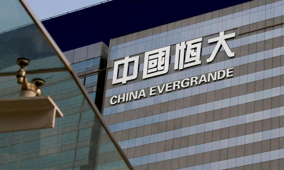 Possível calote por parte da chinesa Evergrande derrubou as bolsas de valores mundiais Foto: Bobby Yip / REUTERS