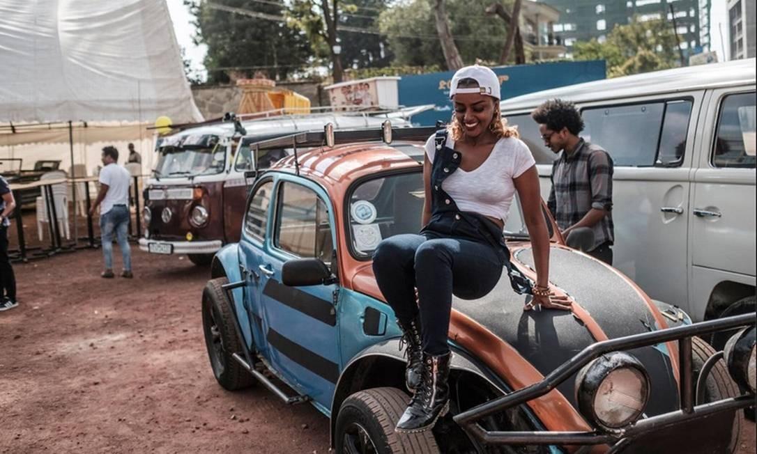 Fashion: customizado pelos jovens etíopes, o Fusca virou um carro para tirar onda Foto: Eduardo Soteras/AFP