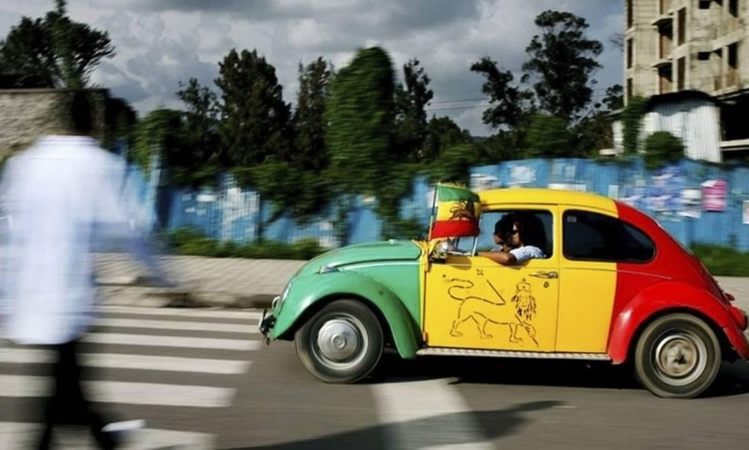 Fusca com as cores da bandeira etíope Foto: Jose Cendon/AFP