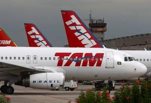 Aviões da TAM Foto: Michel Filho / Agência O Globo