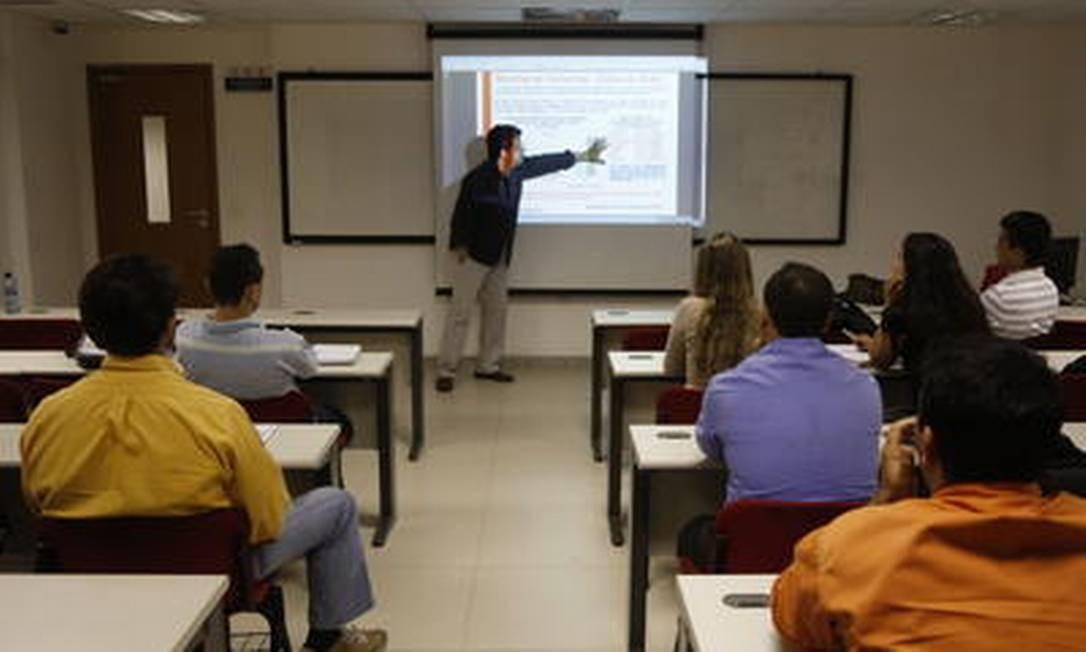 Curso de pós-graduação também serão verificados pela secretaria Foto: Fabio Rossi/30-06-2013