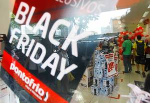 Lojas do Centro do Rio ficaram cheias por conta da promoção no ano passado Foto: Pedro_Kirilos / Agência O Globo