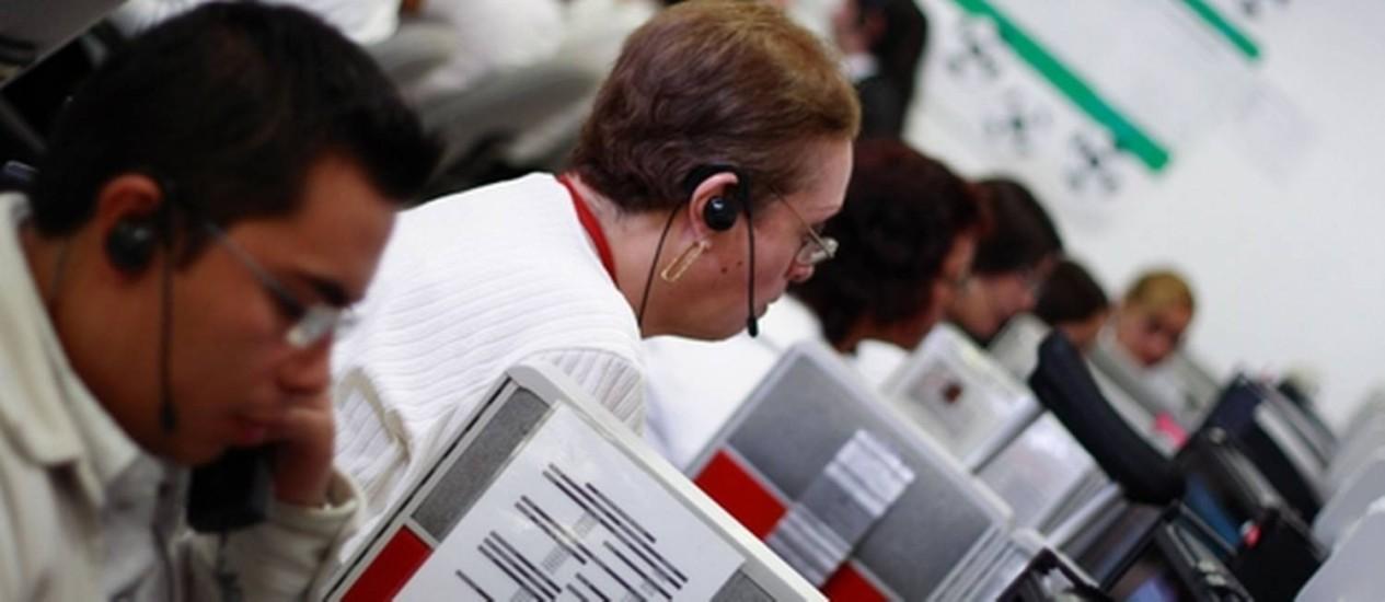 Do total de entrevistados pela Ipsos este ano, 28% optaram pelo telefone como meio para contatar as empresas, ante 20% em 2013 Foto: SXC.hu