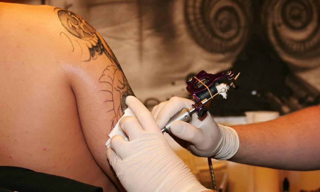 Apenas três marcas de tintas podem ser usadas em tatuagens no país Foto: SXC.hu