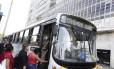 O mais preocupante com relação aos ônibus, de acordo com pesquisa do Idec, é a falta de segurança e a imprudência dos motoristas, que dão freadas bruscas e circulam com as portas abertas