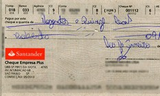 Cheque foi devolvido ao cliente não é o mesmo que foi depositado e ainda estava com rasuras Foto: ./