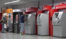 Procon-RJ quer mais transparência nos empréstimos concedidos em terminais de autoatendimento Foto: Daniela Dacorso / Agência O Globo