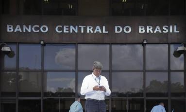 Banco Central pode vir a aplicar multas mais pesadas em bancos que cometerem qualquer prática ilícita Foto: Ailton de Freitas / Ailton de Freitas/02-03-2017