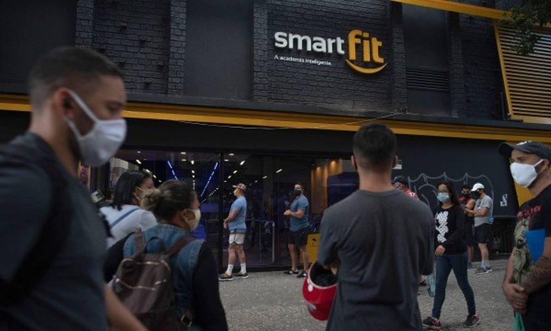Na porta da academia, na Lapa, clientes fazem fila para entrar Foto: Divulgação