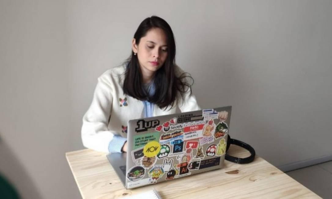 Maiara ainda espera a mesa que comprou para trabalhar em home office, que não chegou no prazo previsto Foto: Arquivo pessoal