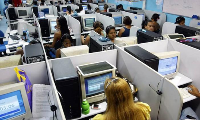 Lei do SAC, que limita o tempo de espera para atendimento nos calls centers no Brasil, não pegou Foto: Felipe Hanower/Agência O Globo