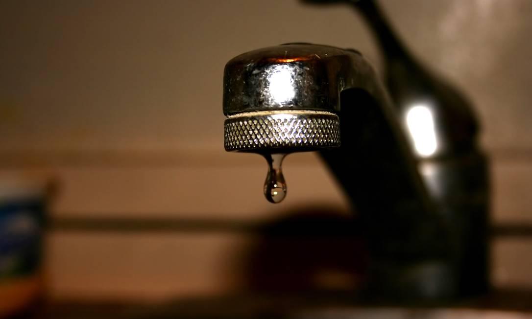 Em todo o Brasil, 41% das cidades ainda sofrem com racionamento ou com falta de água Foto: FOTO: STOCK