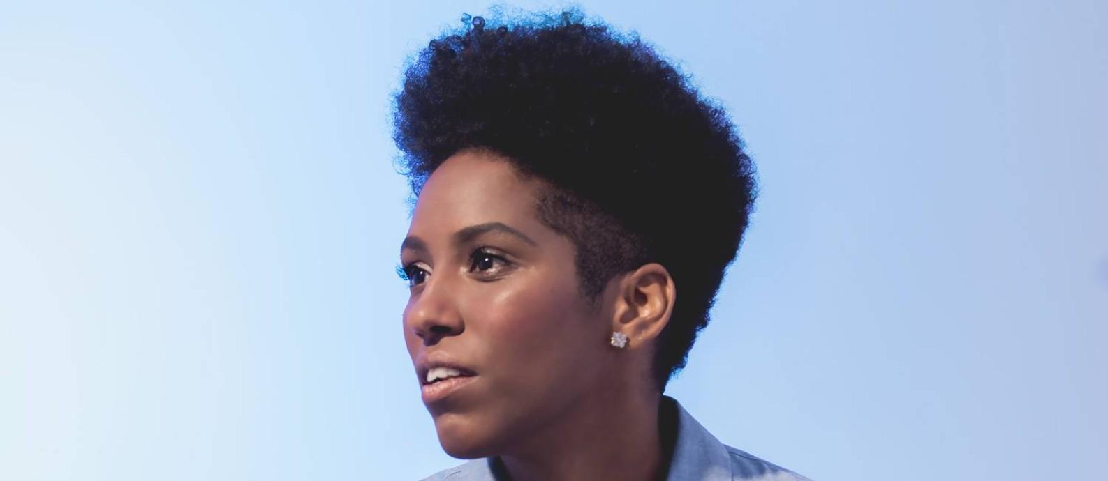 ATITUDE POP. A cantora e compositora Mahmundi Foto: Divulgação