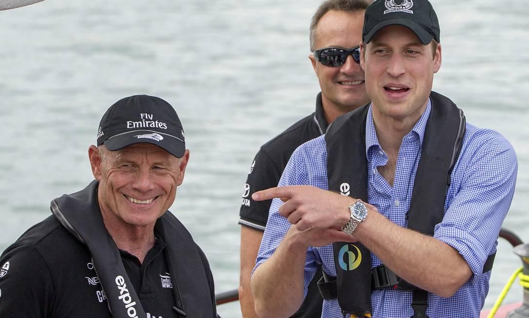 Em resposta, também no clima de descontração, o príncipe William colocou a culpa das duas derrotas em Grant Dalton, veleiro profissional e líder de seu time David Rowland / AP