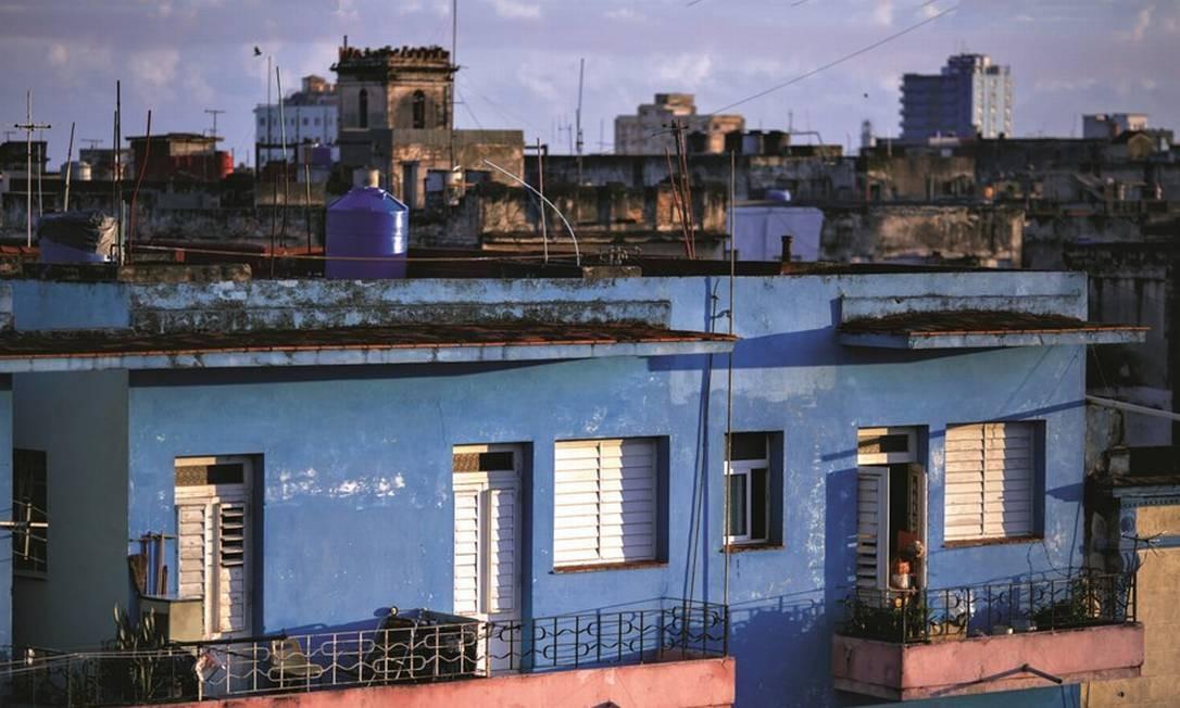 Muitas das casas em Havana abrigam mais de uma família. O emprego está difícil, mas as escolas ainda são acessíveis. Foto: Daniel Marenco / Agência O Globo