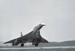 O Concorde foi um avião supersônico que, entre 1976 e 1982, fazia o voo Rio-Paris em seis horas, quase metade do tempo atual. Foto: Arquivo O Globo