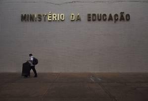 Decreto determinou a extinção de todasas funções gratificadas de universidades federaiscriadas em 2018 Foto: Daniel Marenco / Agência O Globo