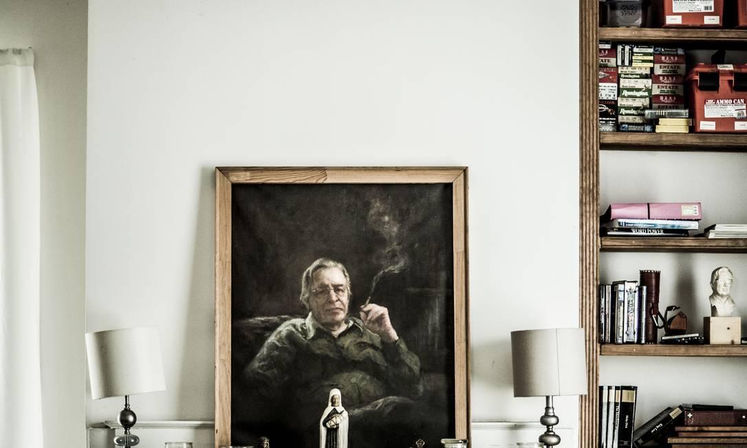 Sala da casa de Olavo de Carvalho, em Richmond, onde vive desde 2005 Foto: Jay Westcott / Polaris Images