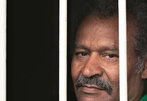 Francisco Carvalho Santos, de 60 anos, ficou sete meses e 24 dias atrás das grades em tempo integral, embora tivesse direito de cumprir a sentença no regime semiaberto. Foto: Edilson Dantas / Agência O Globo