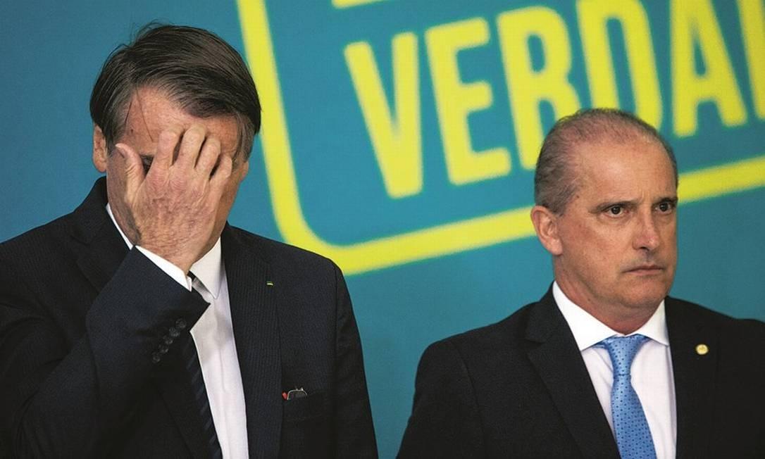 Bolsonaro com Onyx Lorenzoni: a nova política foi uma invenção da velha política Foto: Daniel Marenco / Agência O Globo