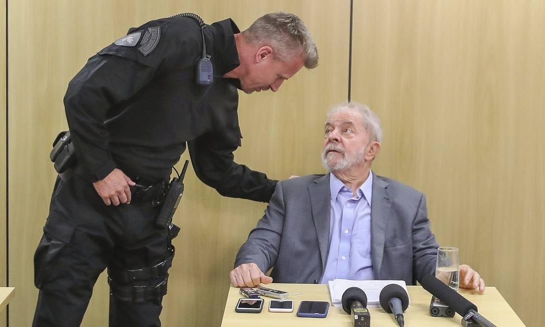 Lula em entrevista na sede da Polícia Federal em Curitiba. Foto: Ricardo Stuckert / Instituto Lula / Flickr
