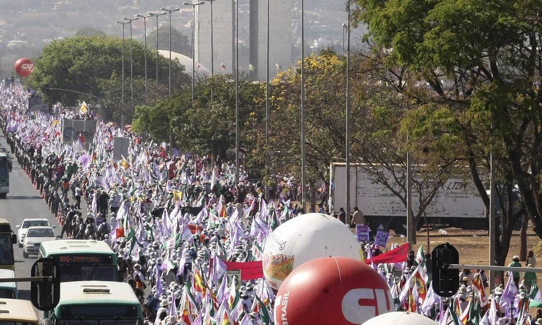 A Marcha das Margaridas pela Esplanada dos Ministérios em Brasília e o feminismo politizado. Foto: Givaldo Barbosa / Agência O Globo