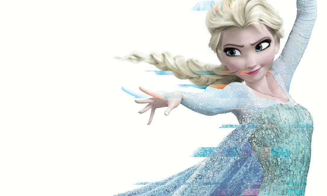 """Ao final de """"Frozen"""", Elsa abre seu castelo para que todo o povo participe de uma festa, um fim muito diferente da versão contada pela ministra Damares Alves, segundo a qual a rainha do gelo acaba sozinha por ser lésbica. Foto: Arte sobre reprodução"""