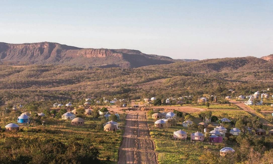 A comunidade Zigurats, em Corguinho, Mato Grosso do Sul, acredita em tudo: de ET à tese de que o mundo é convexo. Foto: Edilson Dantas / Agência O Globo