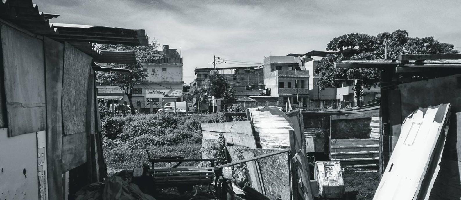 O Complexo da Maré abriga 130 mil moradores em um conjunto de 16 favelas entre a Avenida Brasil e a Linha Vermelha, os dois principais acessos ao Rio de Janeiro. Foto: Kamily Vitória Souza Rodrigues