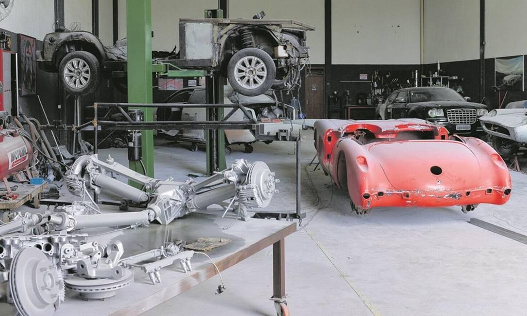 Oficina onde a polícia encontrou carros falsificados das marcas Ferrari e Lamborghini em Itajaí, Santa Catarina. Foto: Victor Hugo / Agência O Globo