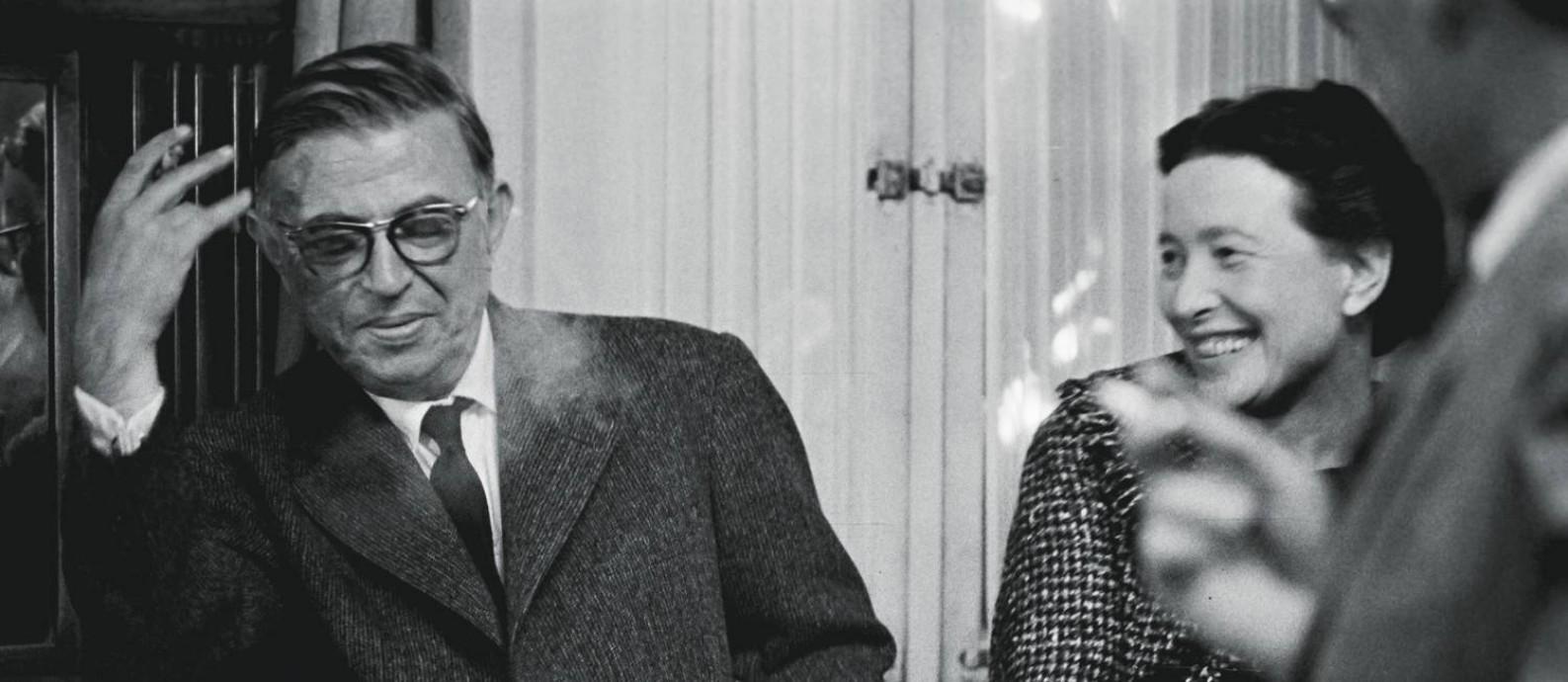 Sartre e De Beauvoir se automedicavam com anfetaminas para remediar ressacas, corações partidos e bloqueios criativos. Foto: Gerard Gery / Paris Match / Getty Images