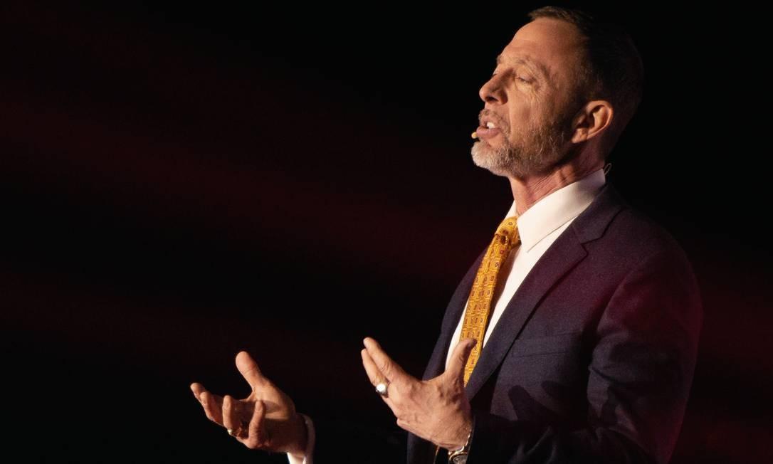 Para Chris Voss, um bom negociador precisa ter paciência e curiosidade e estar sempre disposto a enxergar as coisas a partir do ponto de vista do sequestrador. Foto: Bret Simmons / TED University of Nevada