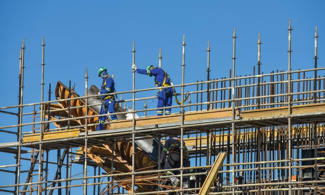 Apenas o aumento do investimento público será capaz de tirar a economia brasileira da letargia e criar empregos, avaliam alguns economistas liberais. Foto: Lucas Lacaz Ruiz / A13 / Agência O Globo