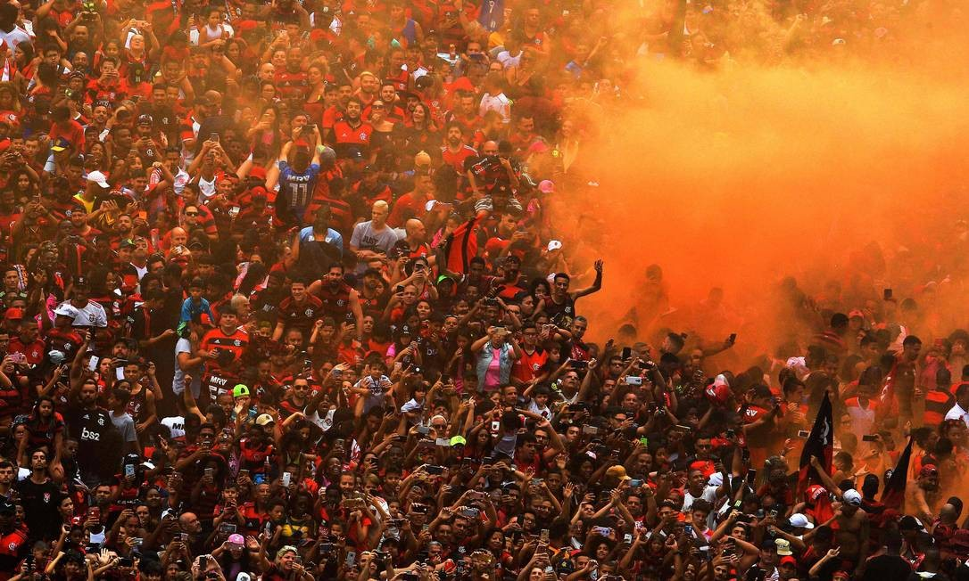 Quando chegou a notícia de que o Flamengo era, matematicamente, campeão brasileiro de 2019, a torcida estava na rua comemorando a Libertadores. Foto: Carl de Souza / AFP
