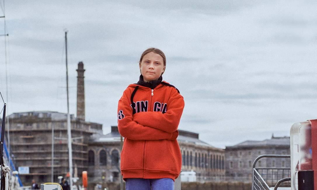 Greta Thunberg em Plymouth, na Inglaterra, pouco antes de partir rumo aos Estados Unidos em um veleiro, por se recusar a voar de avião. A ativista conseguiu agrupar em seu discurso a demanda global pela preservação do meio ambiente. Foto: Tom Jamieson / The New York Times / Fotoarena