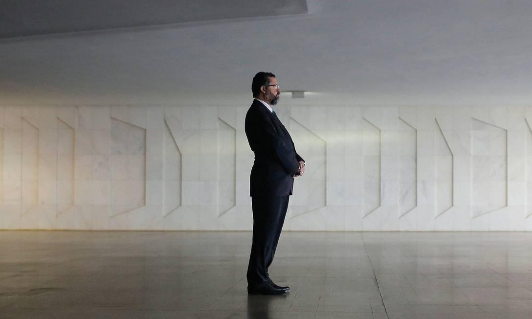 O chanceler Ernesto Araújo não consultou as áreas técnicas do Itamaraty antes de emitir a nota apoiando o ataque americano ao Iraque. Foto: Adriano Machado / Reuters