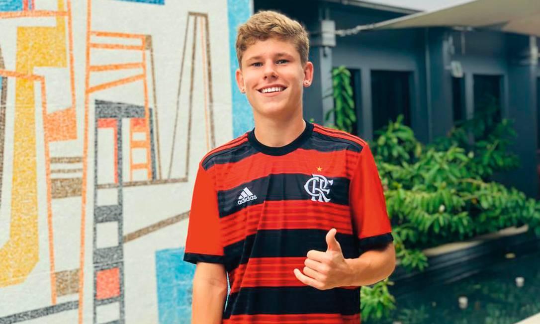 Naydjel Callebe, sobrevivente do incêndio, ainda na época em que treinava no Flamengo. Foto: Arquivo pessoal