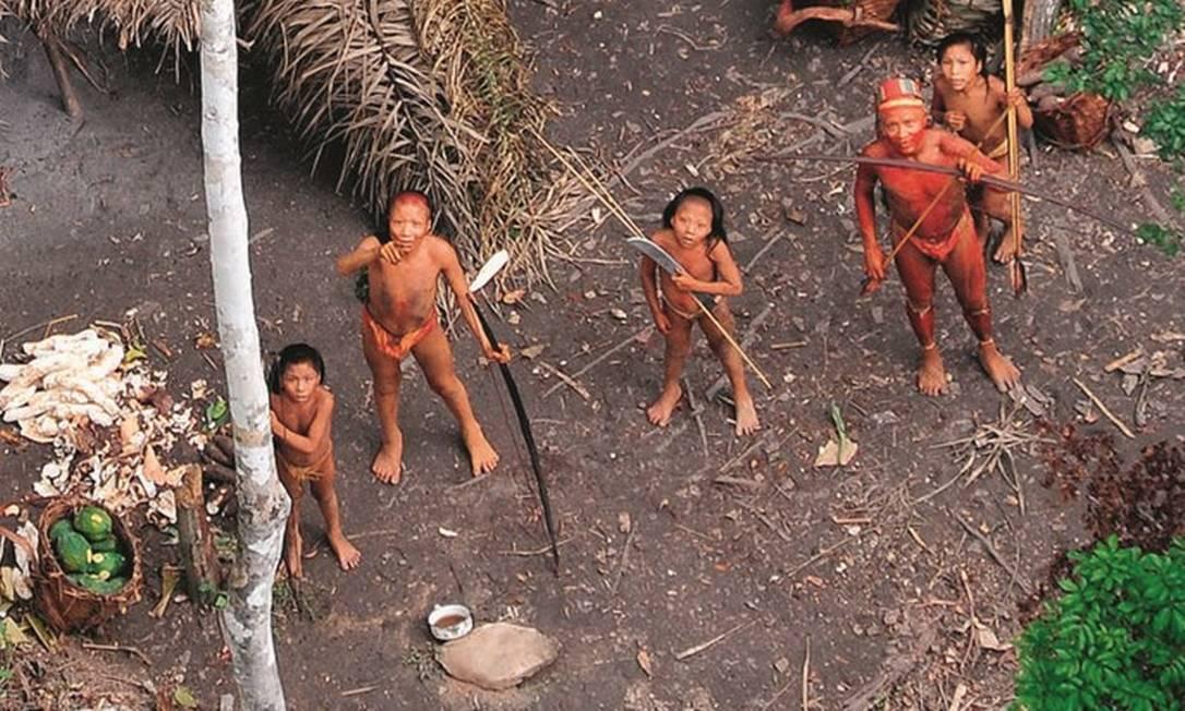 Desde 1987, a política oficial do governo brasileiro é evitar o máximo possível o contato com índios isolados. Foto: AFP Photo / Gleison Miranda / FUNAI / Survival