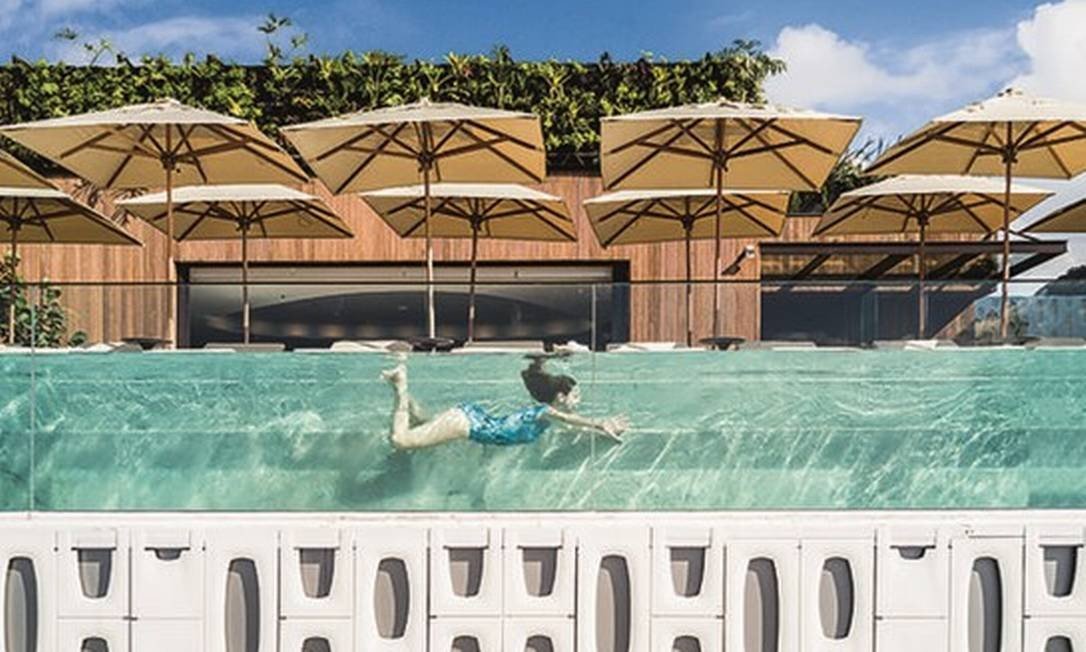 """Inaugurado em 2017 com fachada de elemento vazado, o Hotel Emiliano foi escolhido o Hotel do Ano pela revista holandesa """"Frame"""" e ganhou o Best of Year da revista americana """"Interior Design"""". Foto: Fernando Guerra"""