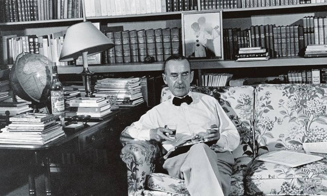"""Thomas Mann, autor de """"A montanha mágica"""", que retratava o """"mal do século"""", a tuberculose, e de """"Morte em Veneza"""", sobre a epidemia de cólera na cidade italiana. Foto: ullstein bild / Getty Images"""