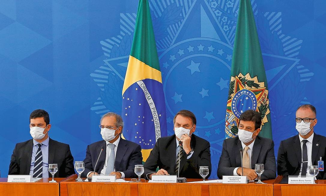 Presidente Jair Bolsonaro e ministros no Palácio do Planalto Foto: Pablo Jacob / Agência O Globo