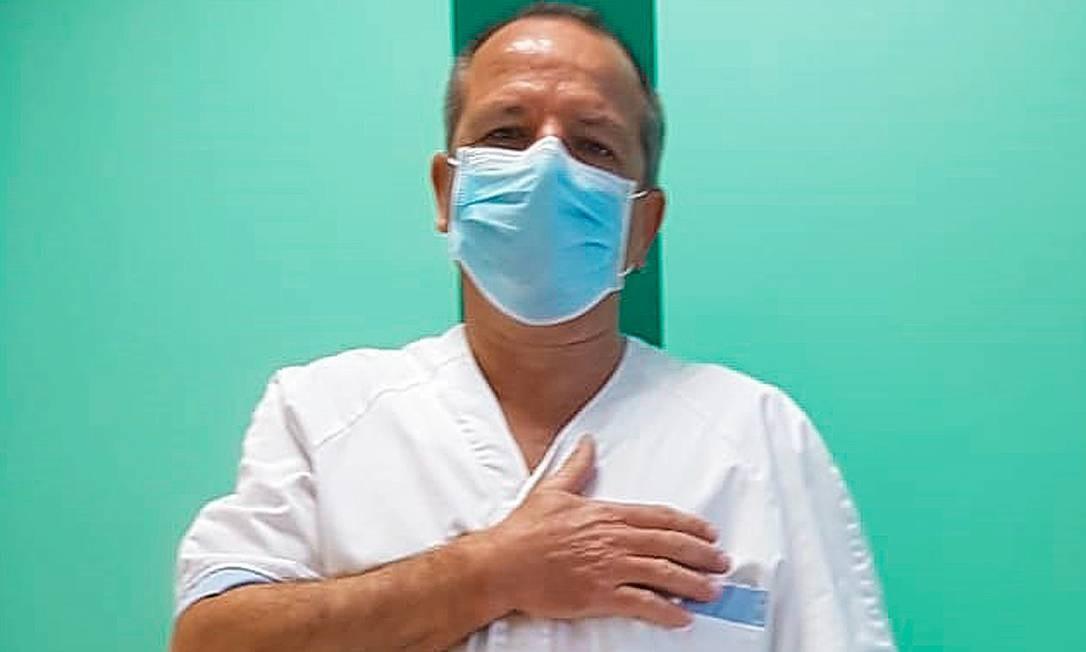 Dante Baldi, na Policlínica Gemelli, o maior hospital de Roma. Vírus em mutação já infecta crianças e jovens. Foto: Arquivo pessoal