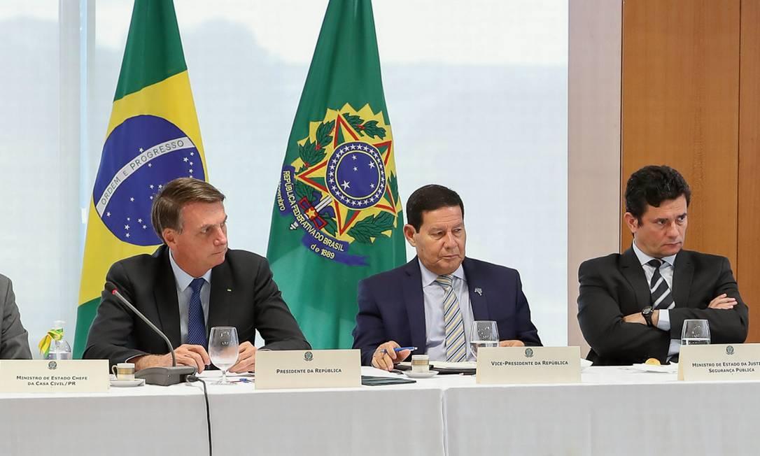 O encontro do dia 22 de abril reuniu 40 integrantes do governo, entre o primeiro escalão e subordinados, que ouviram calados uma série de absurdos. Foto: Marcos Corrêa / PR