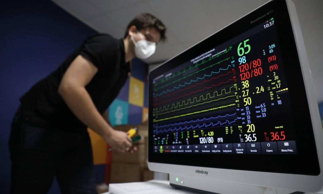 Monitores multiparâmetros que chegaram da China para equipar o Hospital de Campanha do Riocentro, em Jacarepaguá, no Rio de Janeiro. Foto: Fabio Motta / Agência O Globo