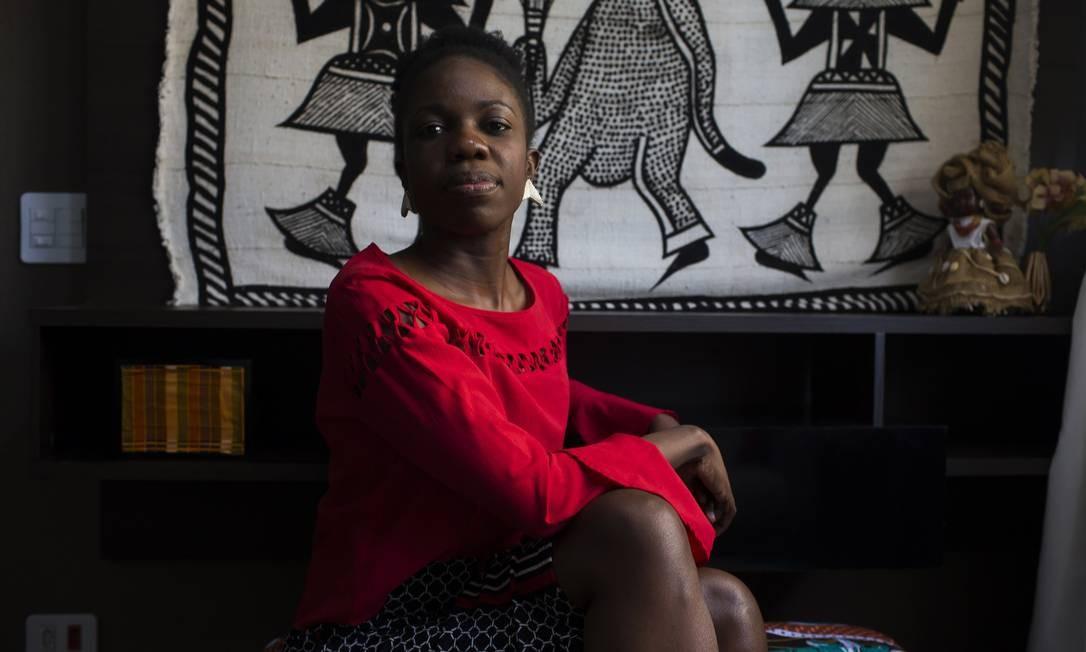 Sauanne Bispo sofreu diversos episódios de racismo, desde a infância em colégio particular até a vida adulta, como dona do próprio negócio. Hoje, dá palestras sobre inclusão racial. Foto: Edilson Dantas / Agência O Globo