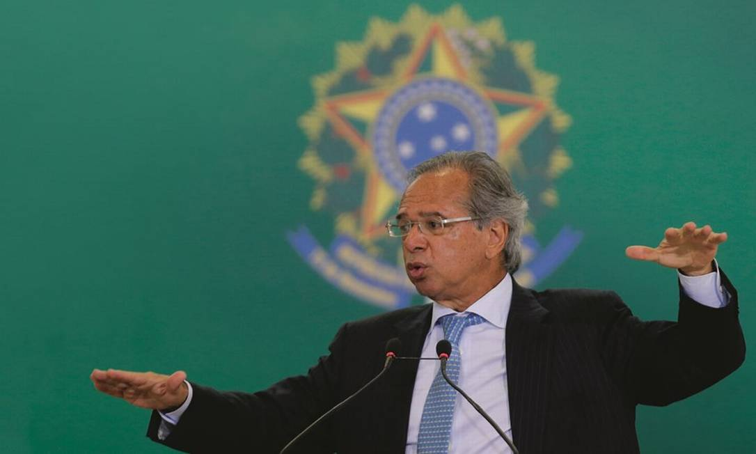 O ministro da Economia, Paulo Guedes, quer reduzir a alíquota do FGTS Foto: Jorge William / Agência O Globo