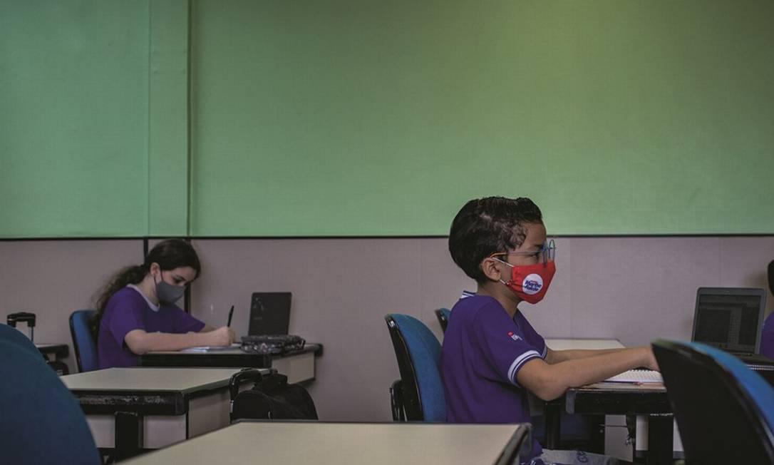 As escolas particulares de Manaus, com protocolos sanitários mais exigentes, também têm observado a resistência dos pais em mandar os filhos para o colégio por medo de contágio. Foto: Raphael Alves