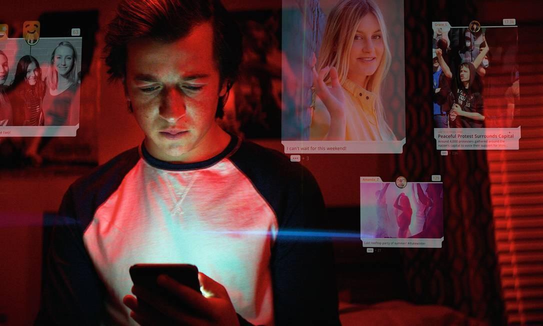 """Cena do documentário """"O dilema das redes"""", da Netflix, que coloca em debate o papel manipulador das grandes plataformas digitais. Foto: Divulgação"""