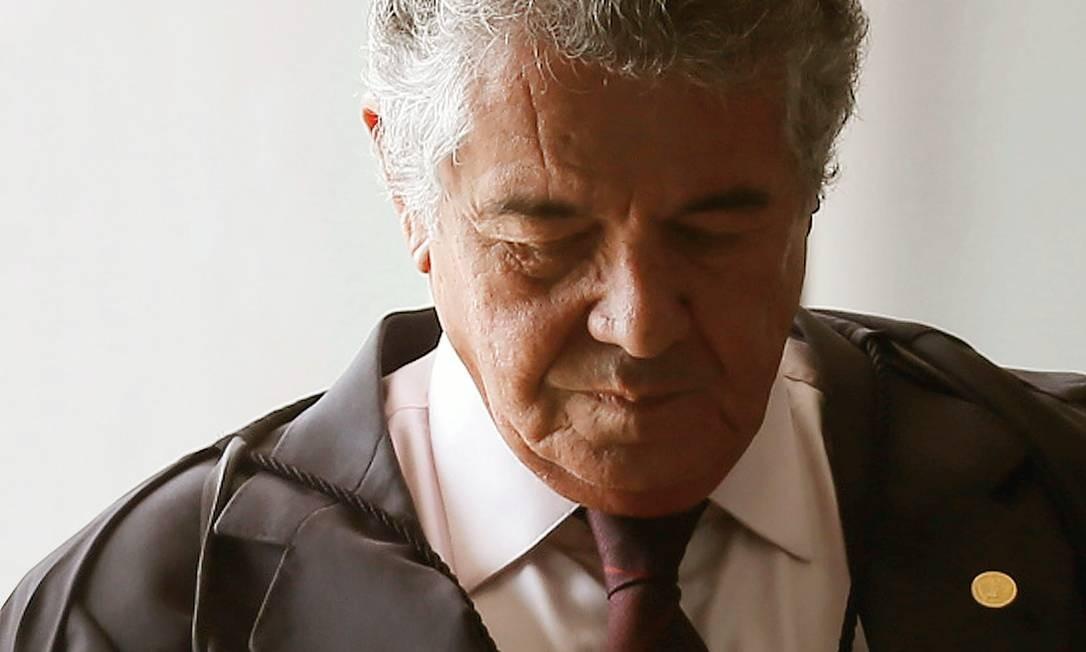 Conhecido por sua divergência, Marco Aurélio Mello criticou a suspensão da liminar concedida por ele ao traficante. Foto: Jorge William / Agência O Globo
