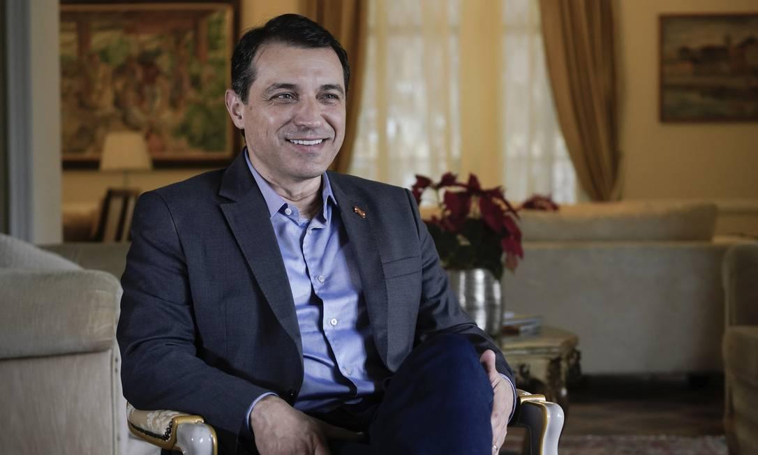 Carlos Moisés (PSL), o governador afastado que é crítico a Bolsonaro, havia prometido se livrar do processo de impeachment e voltar ao poder Foto: Ricardo Wolffenbüttel / Secom